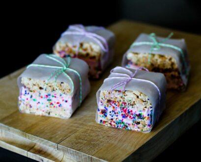 Recipe: Dreyer's Grand + Rice Krispie Treat Ice Cream Sandwiches
