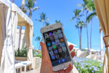 Learn how to unplug on a family vacation and why it's important even just for one day. #onedayoffline