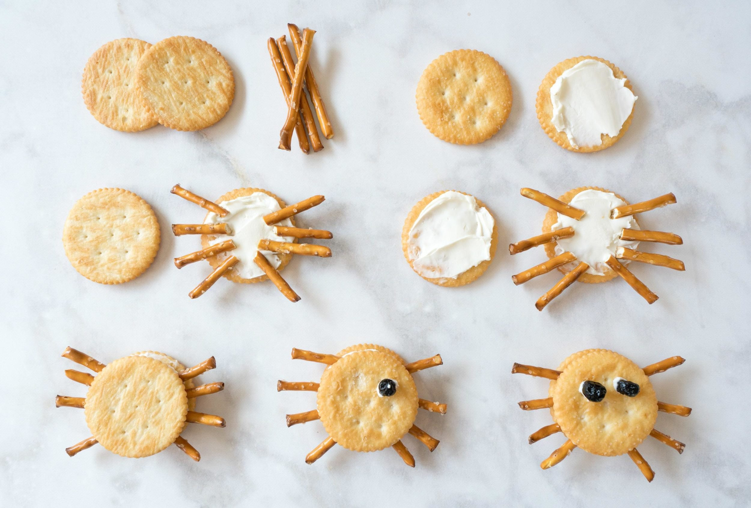 How to make spider cracker Halloween snacks for kids in 7 easy steps.
