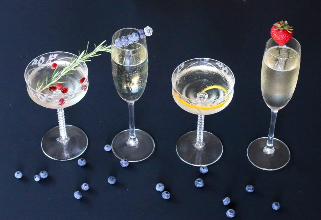 It doesn't take more than a few seconds to nicely garnish a champagne glass. Here's how to do it for your next party.