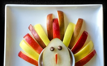 Even kids can make this healthy Thanksgiving turkey snack recipe.