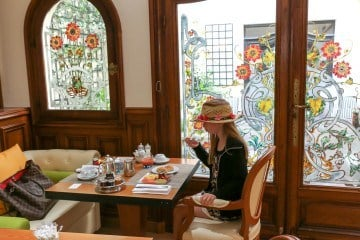 Breakfast at the historic Hotel Regina