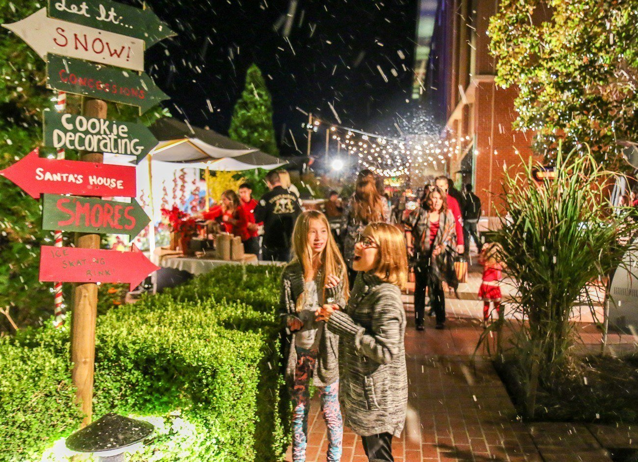 "Yes, there even was a little snow at Four Seasons Hotel Westlake Village's ""Let It Snow"" holiday event."