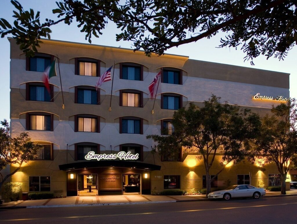 The Empress Hotel La Jolla boasts an awesome location, one of La Jolla's best restaurants and nice rooms at a reasonable price.
