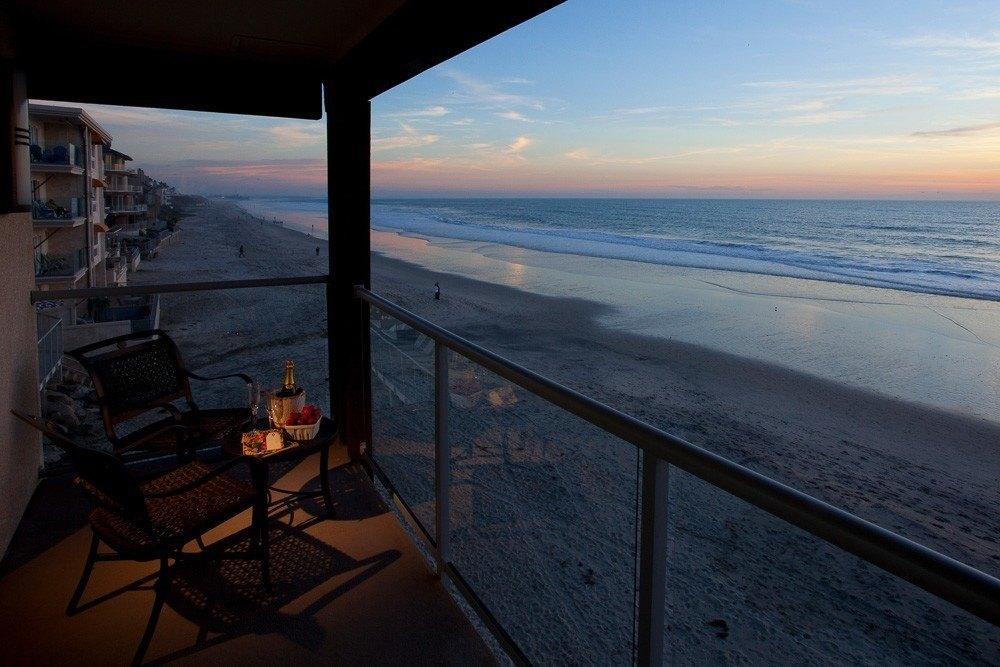Room terraces at beachfront Beach Terrace Inn