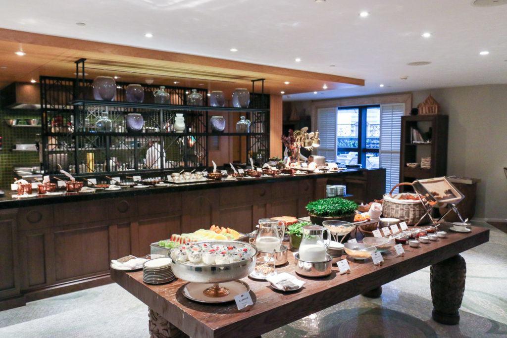 Breakfast buffet at Mandarin Oriental, Taipei's Oriental Lounge