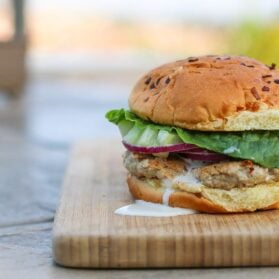 Recipe: Easy Turkey Burger with Feta, Cucumber and Ranch