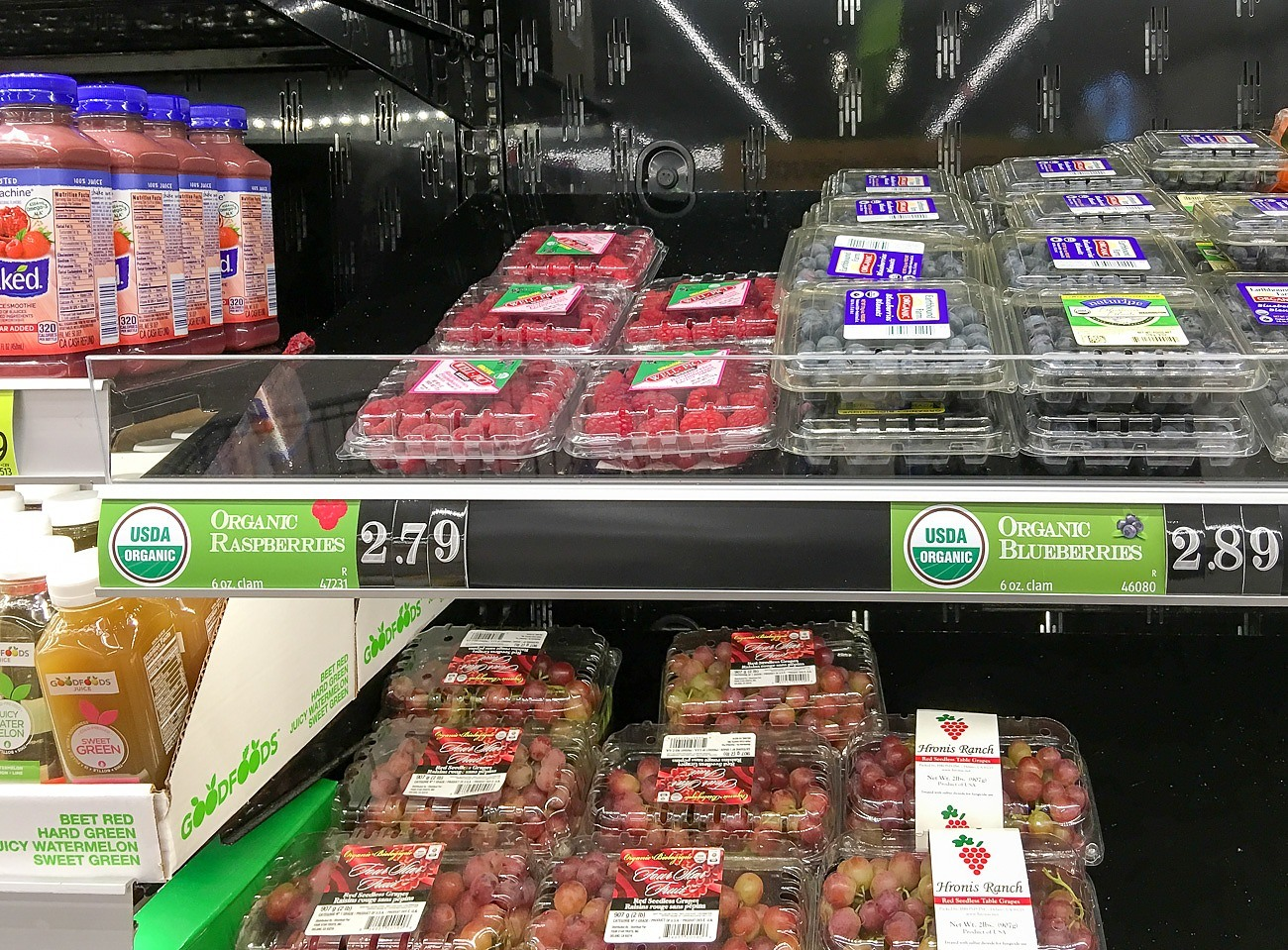 Discounted fresh berries at Aldi in San Diego