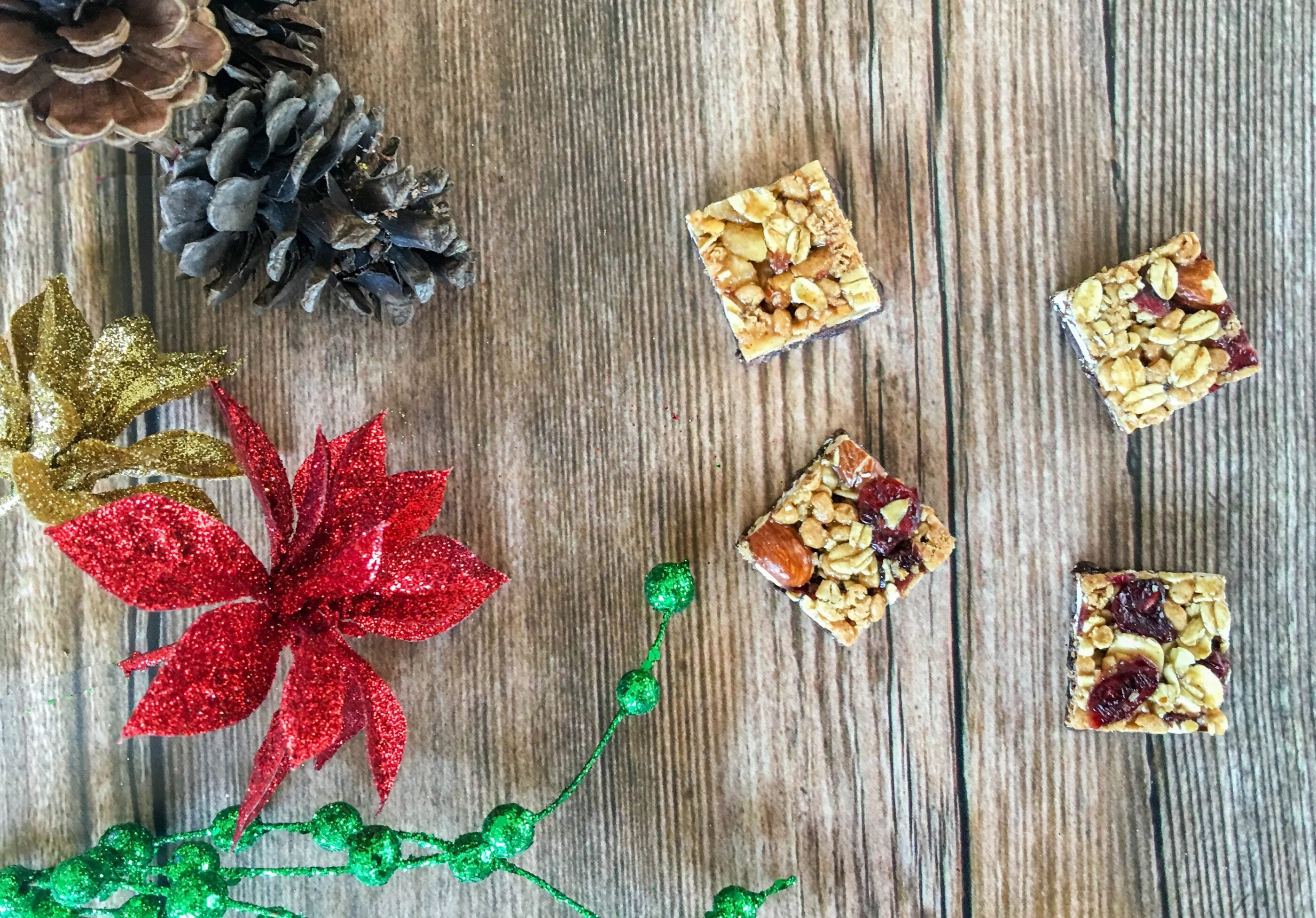 Learn how to snack smartly during the holiday season.