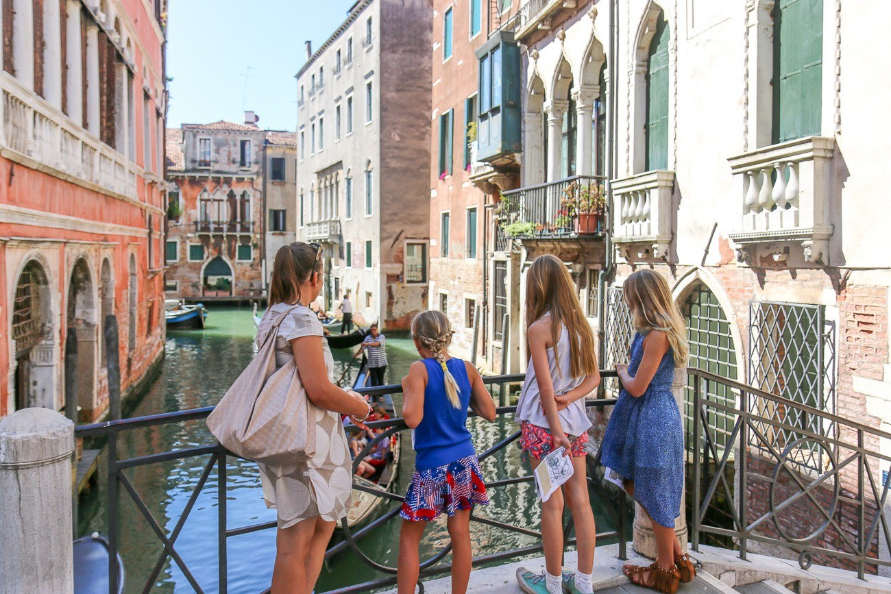When in Venice with kids, do a lion hunt with Context Travel.