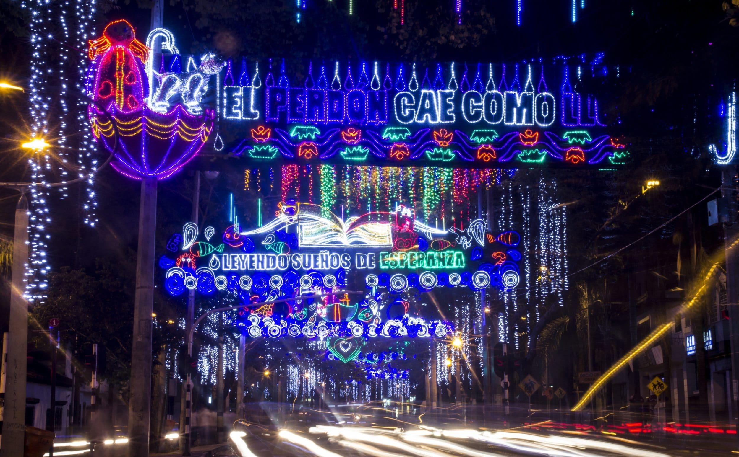 medellin-christmas-lights-photo