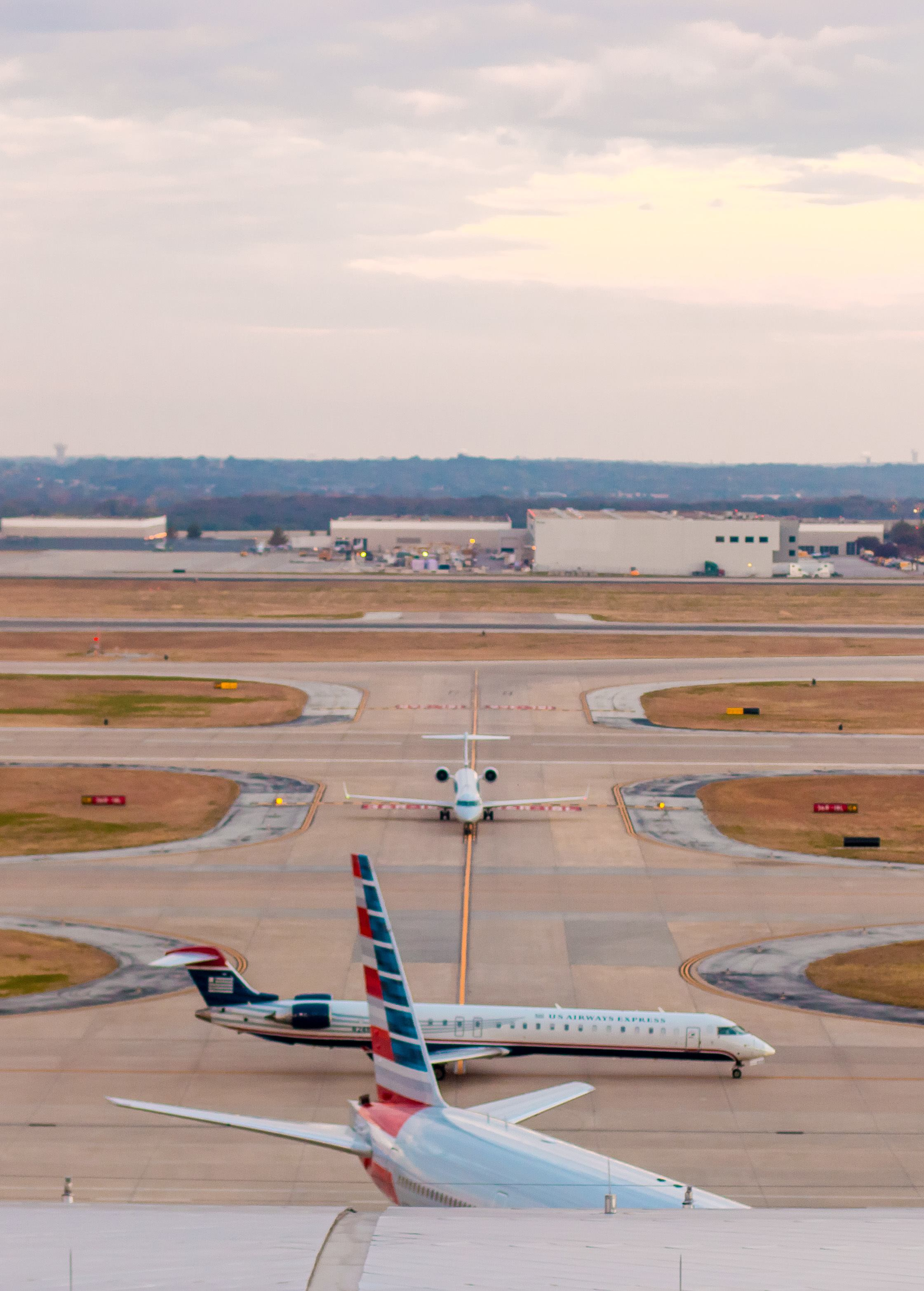 Planes as seen from a runway room at Grand Hyatt DFW, a great Dallas airport hotel.