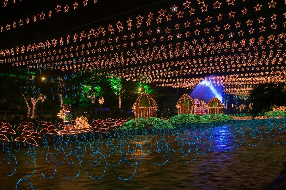 Medellín Christmas lights over the river.
