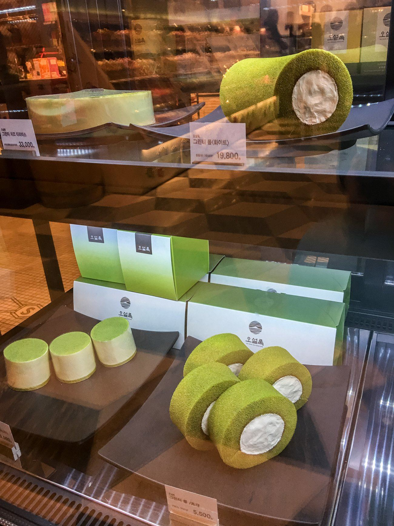 A roll cake in Shinsegae department store in Seoul. Roll cakes are must-eat desserts in Asia.