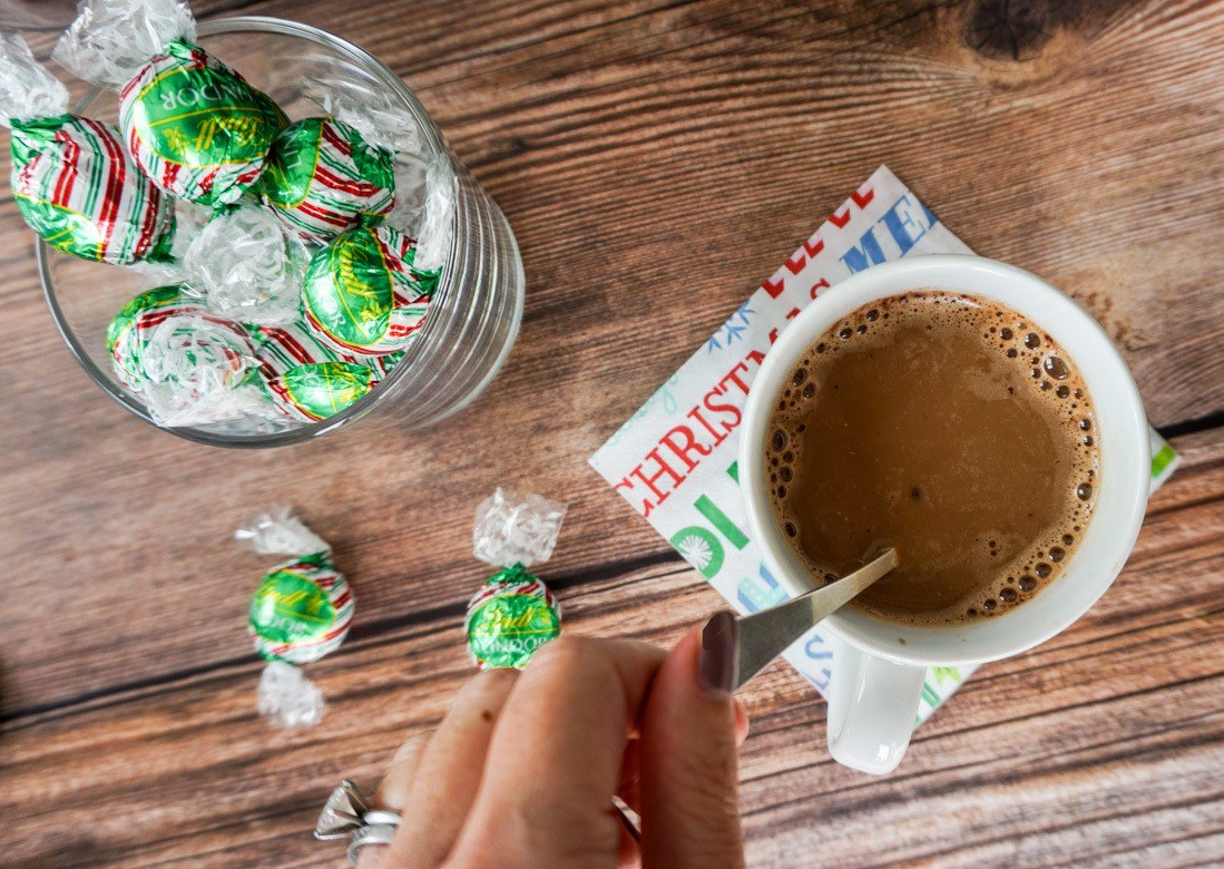 A Starbucks peppermint mocha caffe latte can be made at home in a Keurig.