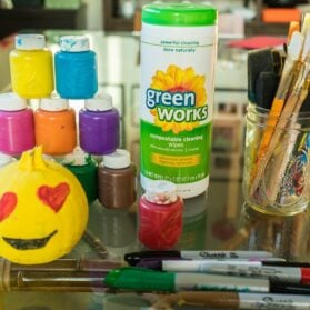 I Love Green Works for Cleaning Up Kids' Crafts (Like DIY Emoji Pumpkins)