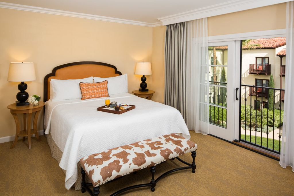 Rooms with California comfort in mind at Estancia La Jolla