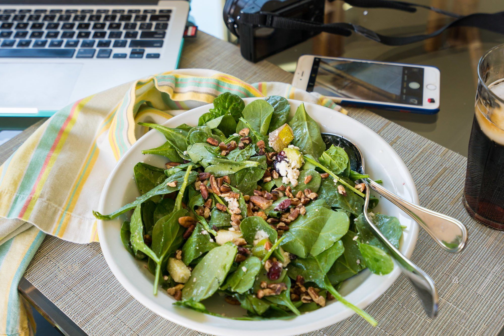 Farmer's Fix delivers salads within San Diego. It is the perfect solution for busy work-at-home parents.