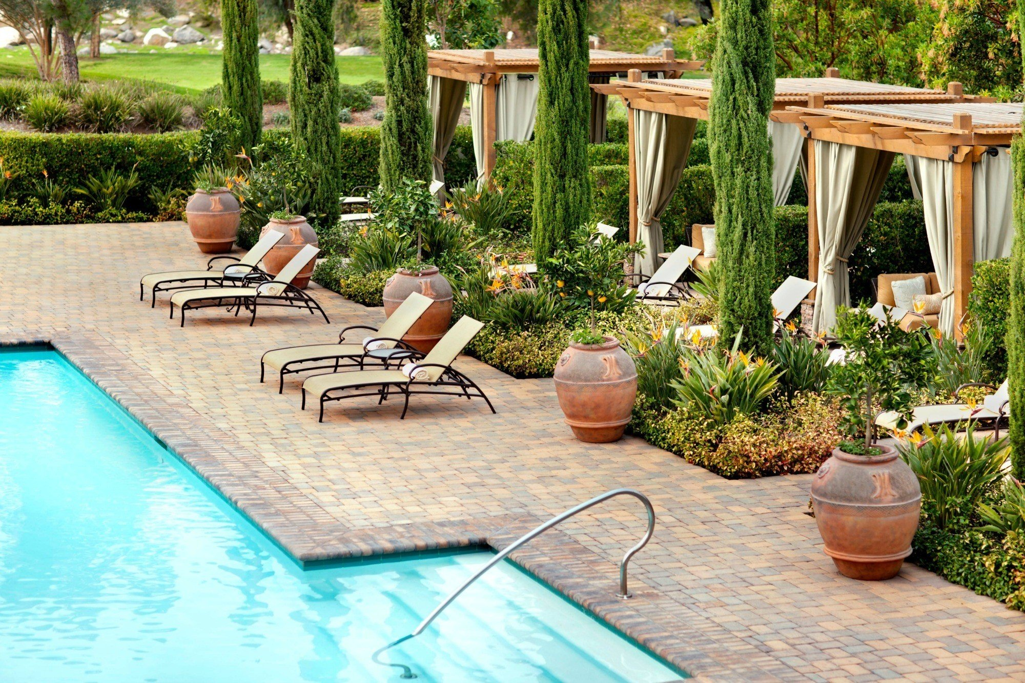 The spa pool at Rancho Bernardo Inn, one of the best luxury resorts in San Diego.