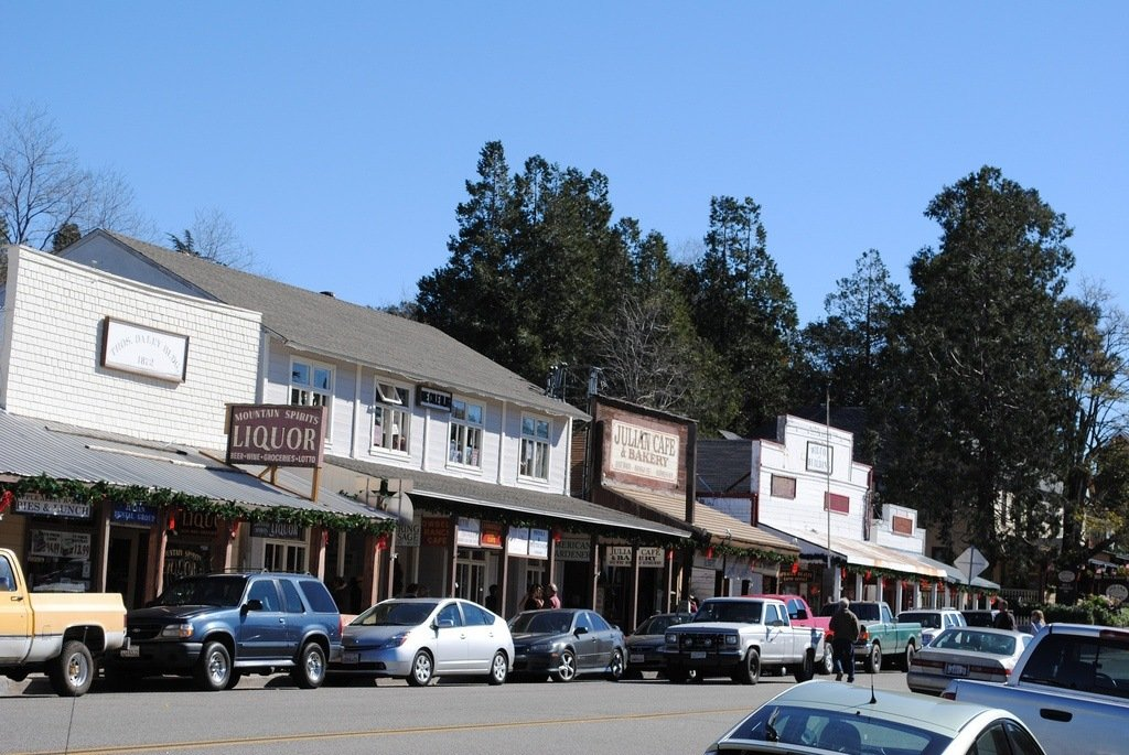 Find the best things to do Julian, California about 90 minutes from San Diego.