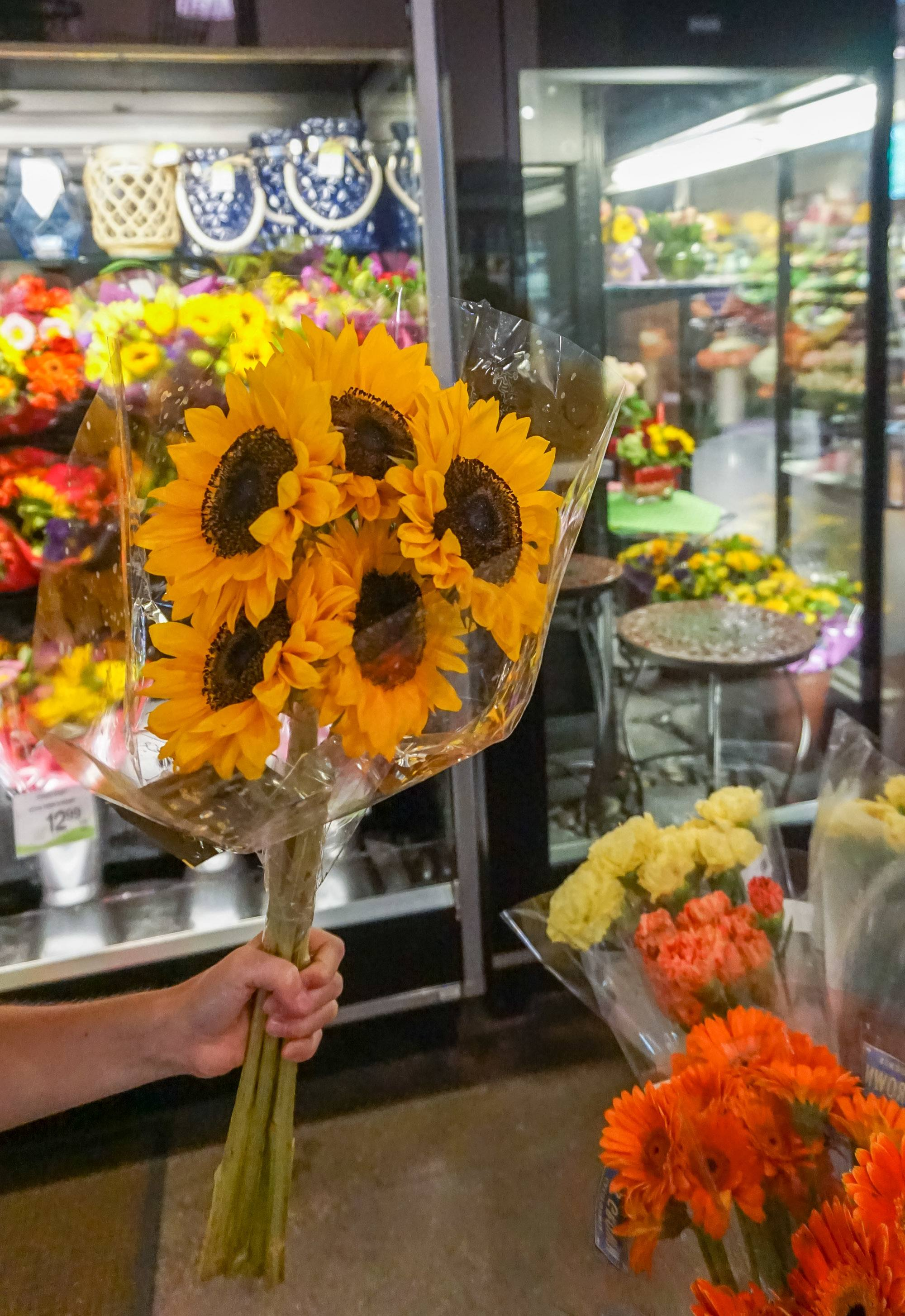 A bouquet of pretty sunflowers at Albertsons in San Diego.