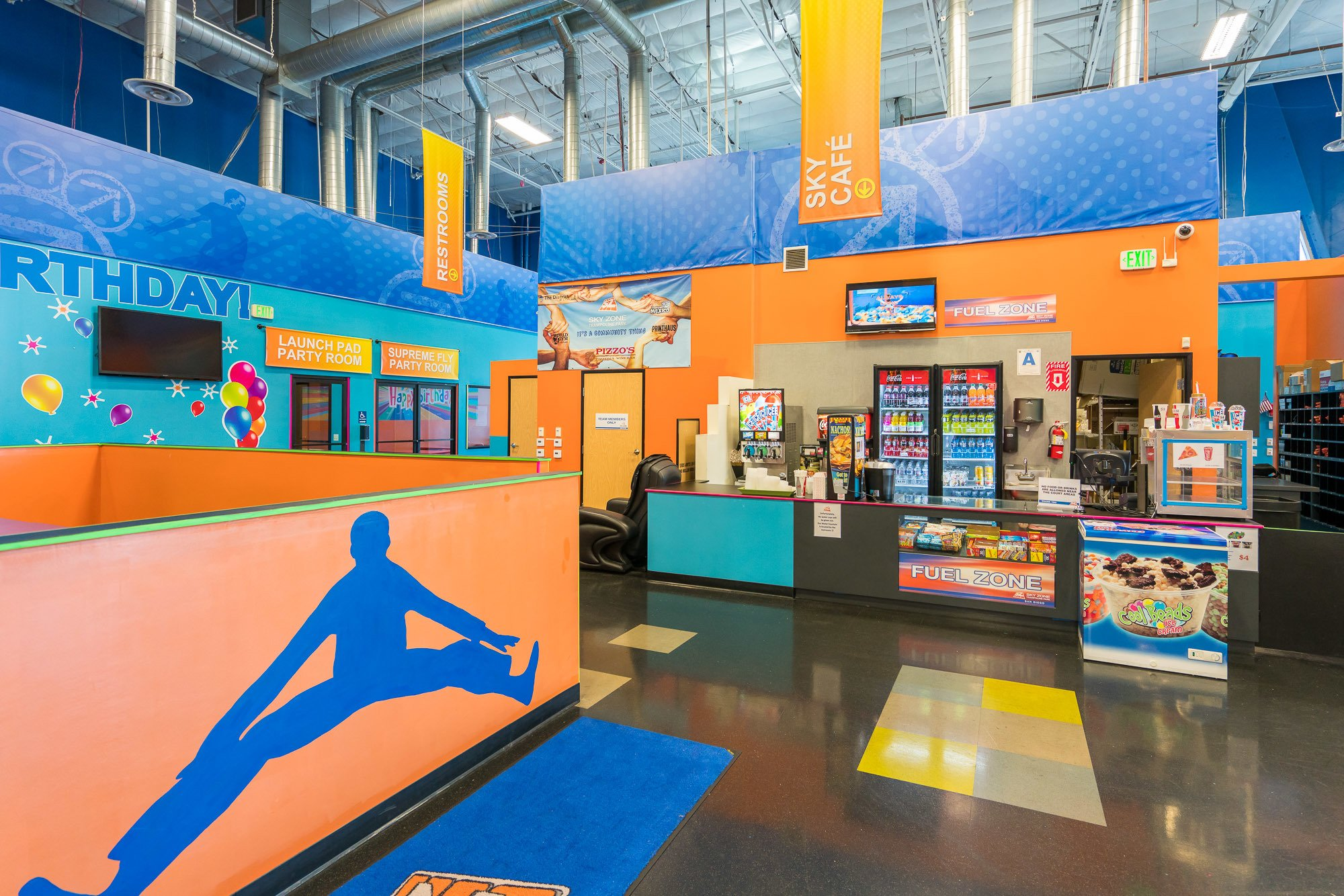 You can have refreshments, ice cream and snacks at Sky Zone San Diego.