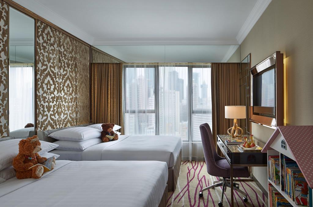 Dorsett Wan Chai is a Hong Kong hotel with family rooms.