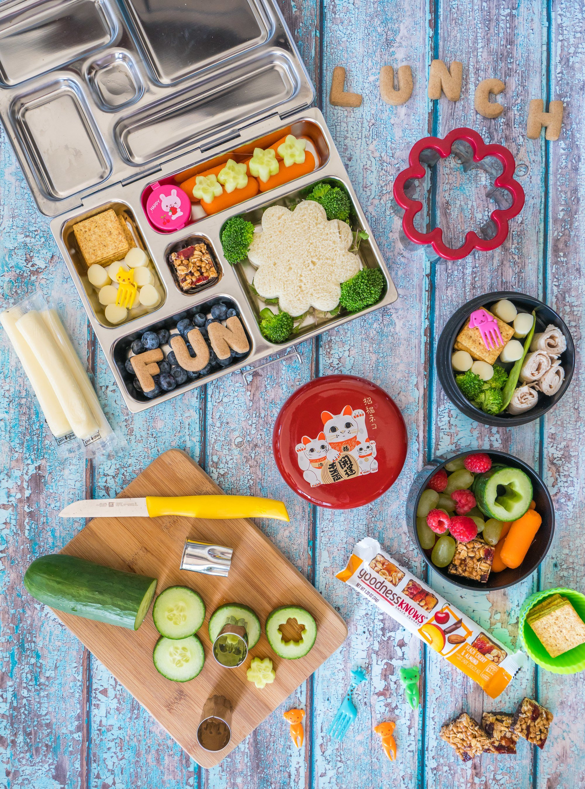 Easily make an everyday bento box lunch using these tips.
