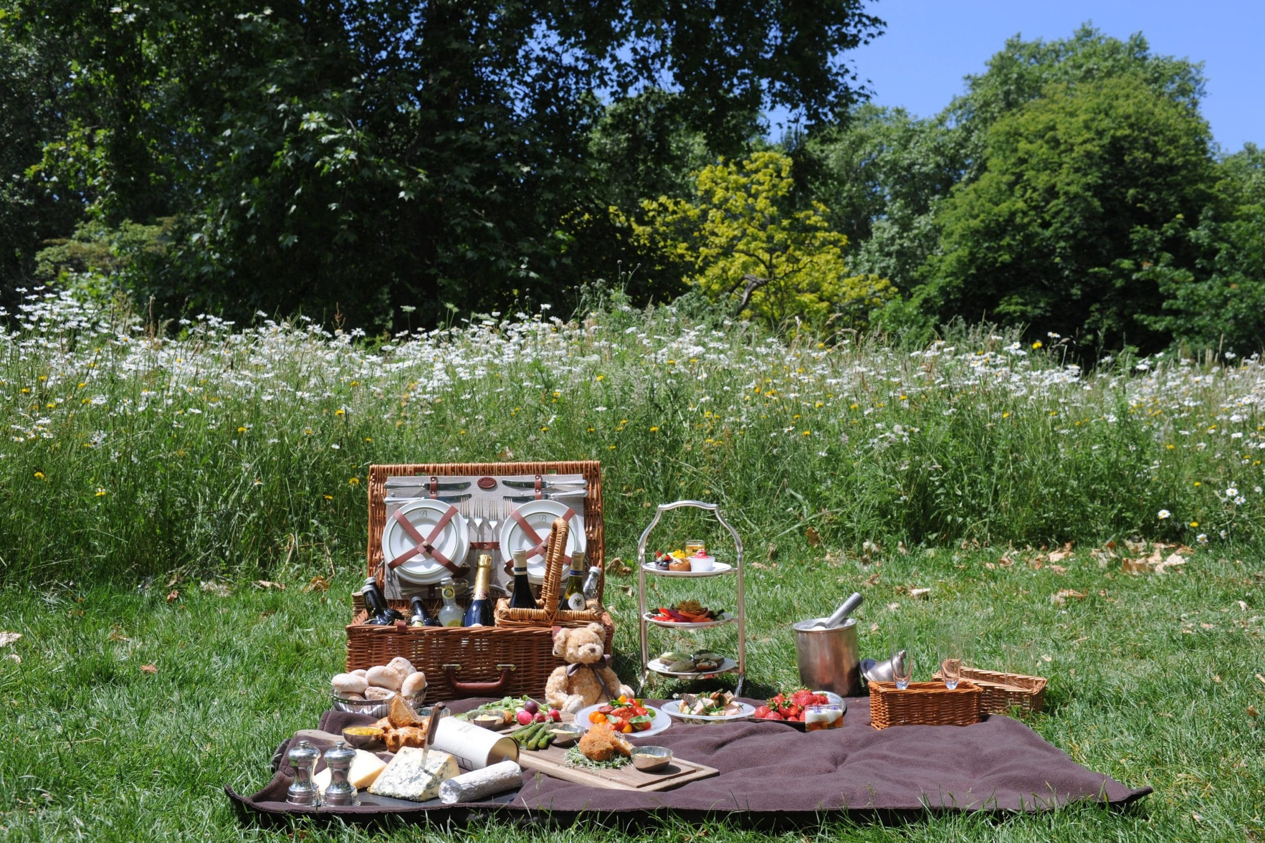 Brown's Hotel in London will pack a picnic for guests to take to Hyde Park.