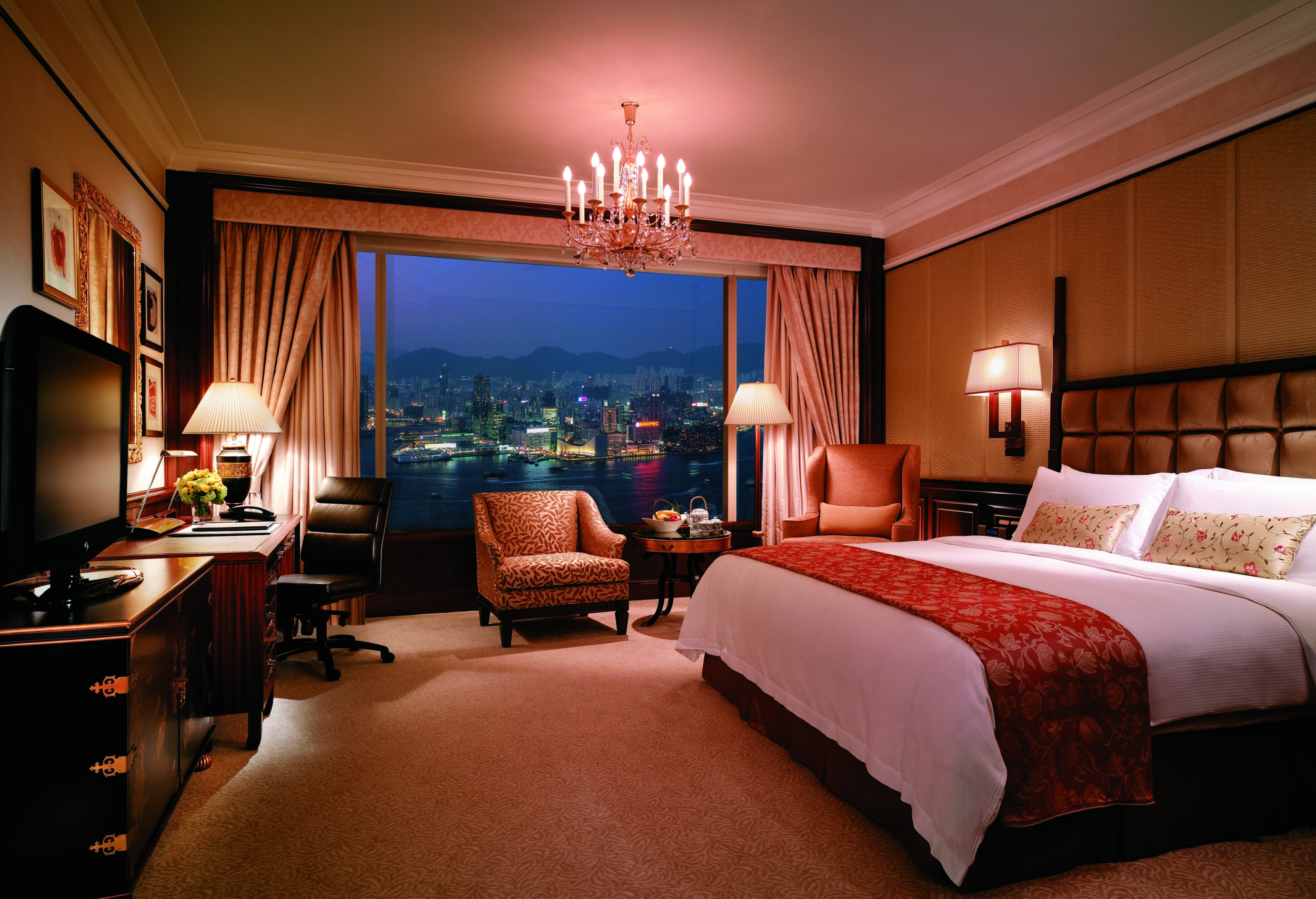 21 best family hotels in hong kong from luxury to budget for Great small luxury hotels