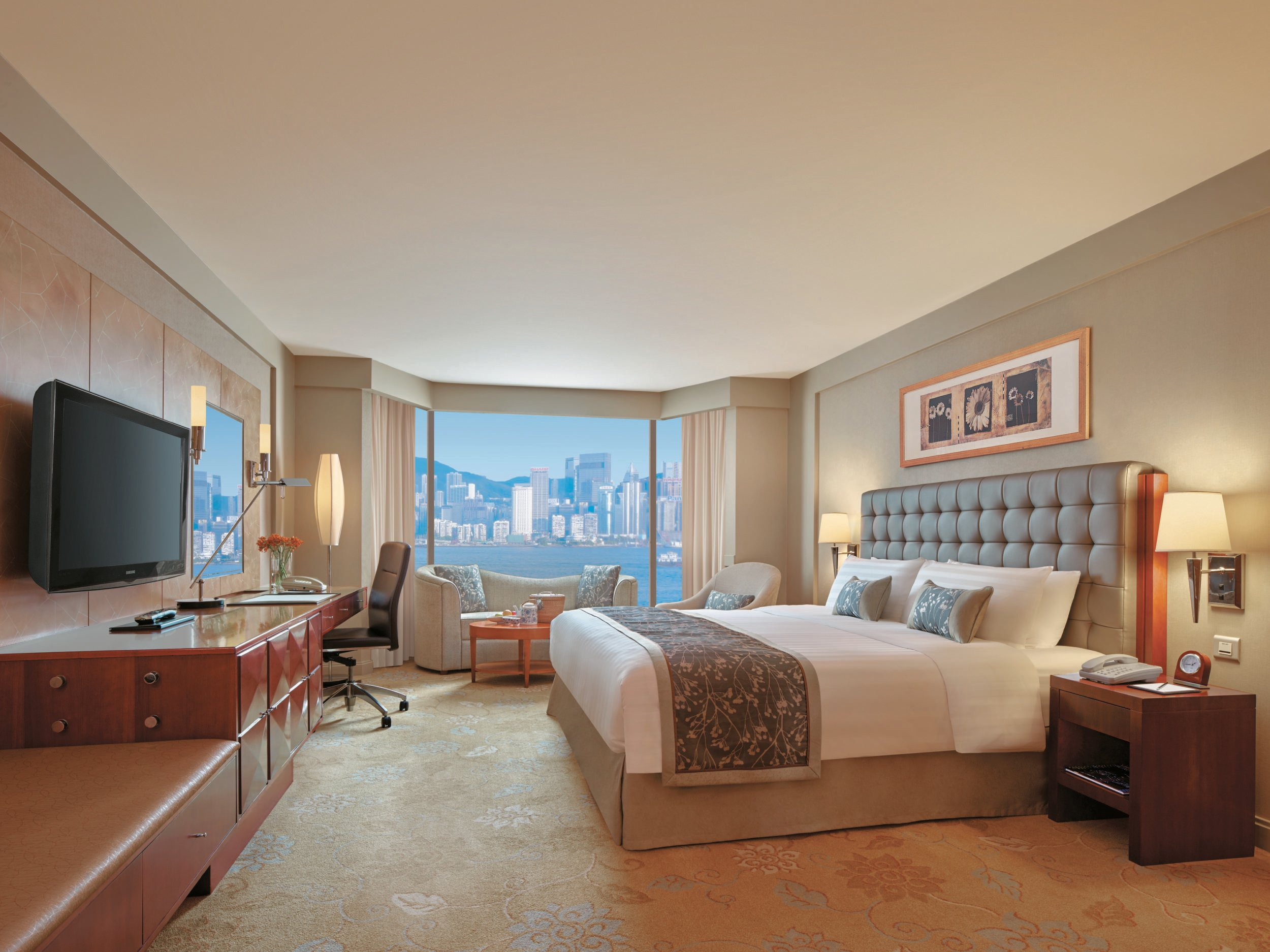 Best Kowloon Shangri la is a great value for a family friendly luxury hotel in Hong