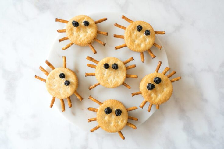 Halloween Spider Cracker Snacks