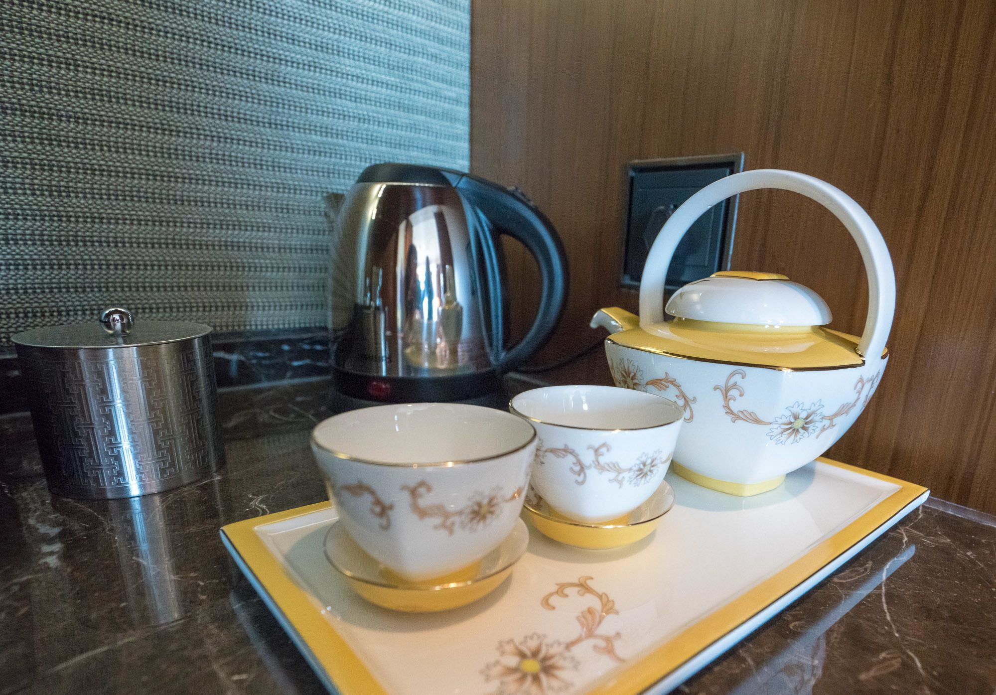 Fell in love with this tea set at Mandarin Oriental Pudong, Shanghai.