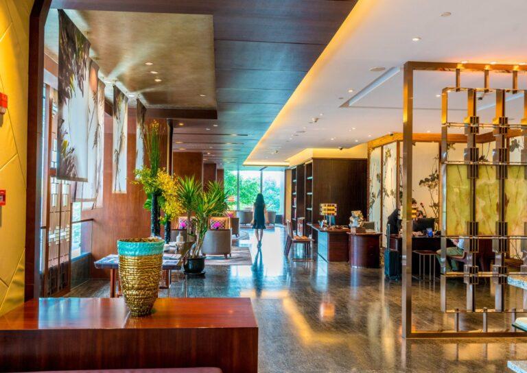 Luxury Hotel Review: Mandarin Oriental Pudong, Shanghai