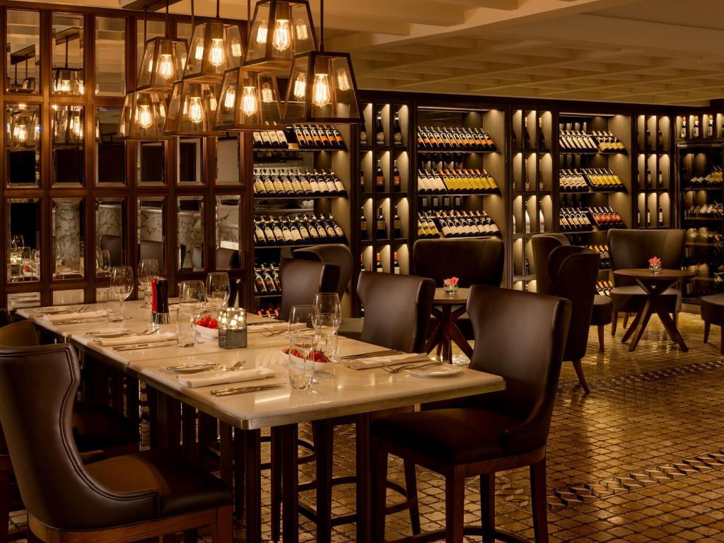 There are multiple dining outlets at InterContinental Grand Stanford, a Hong Kong luxury hotel.