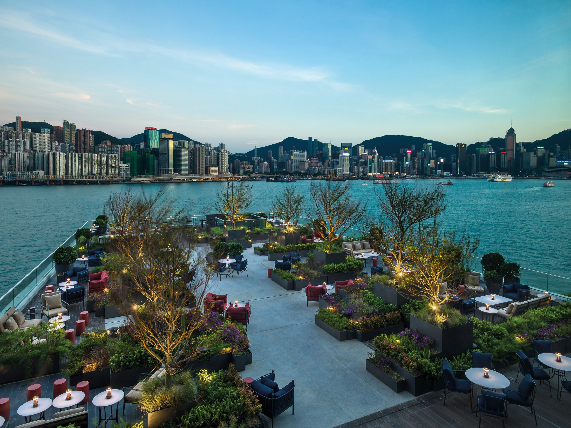 Red Sugar Terrace for drinks and food at Kerry Hotel Hong Kong.