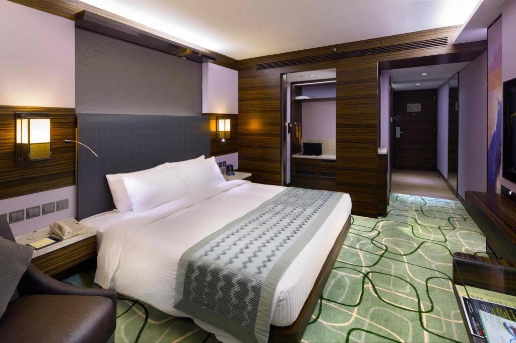 New World Millennium Hong Kong hotel Club room.