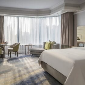 Four Seasons Hotel Singapore – Still One of Our Favorites