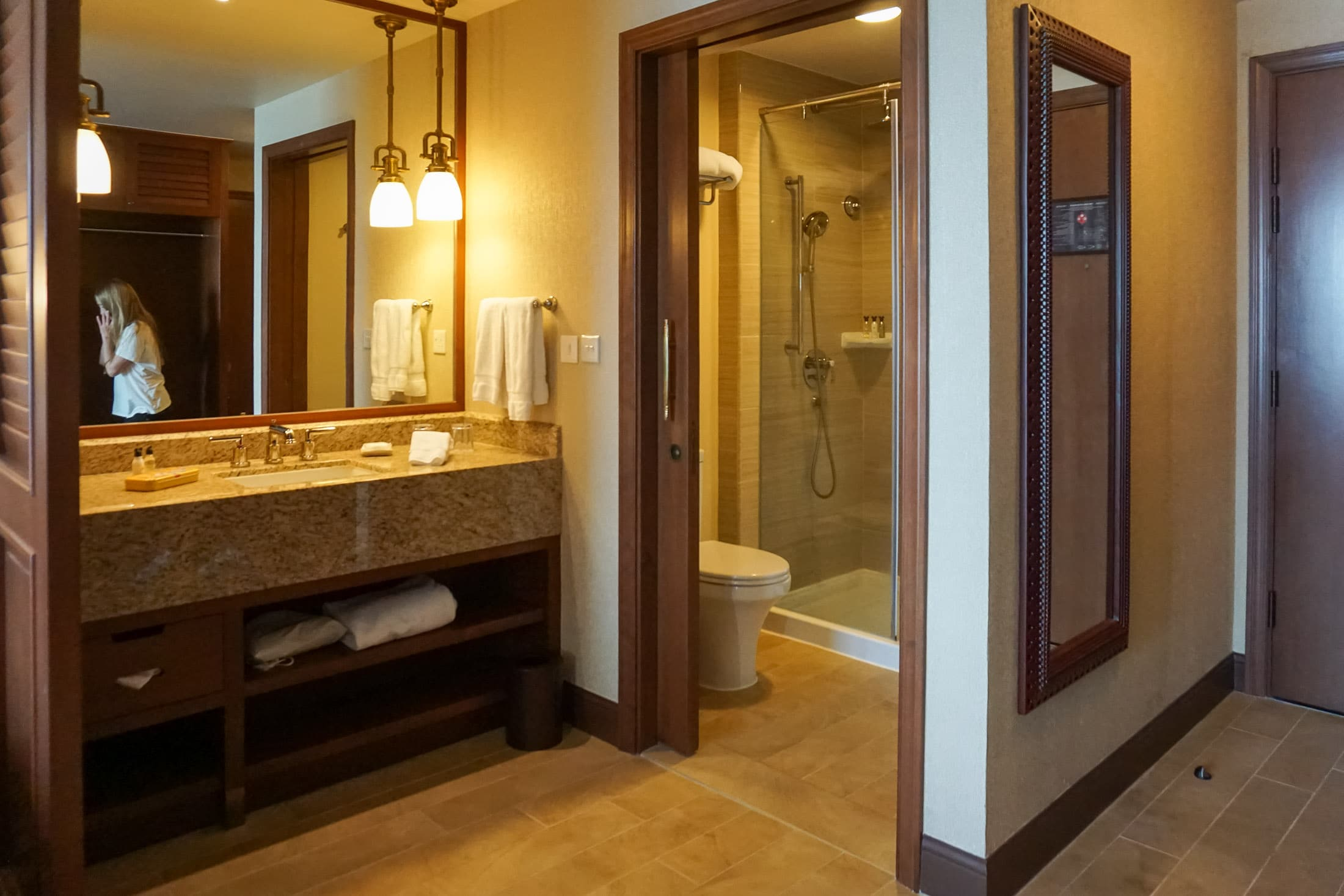 Bathroom at Disney Explorers Lodge, Hong Kong Disneyland