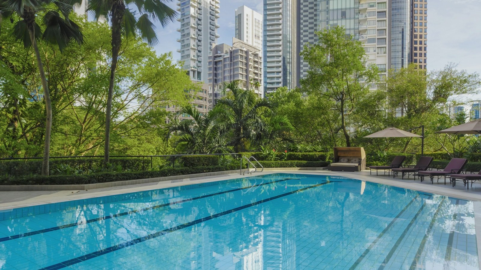 Fitness pool at Four Seasons Singapore