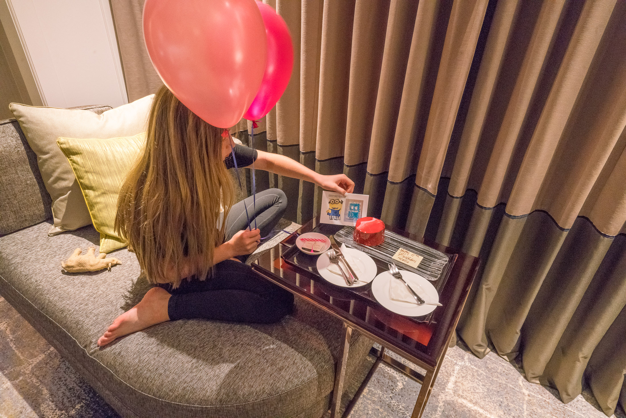 Four Seasons Hotel Singapore: Why We Always Stay Here - La