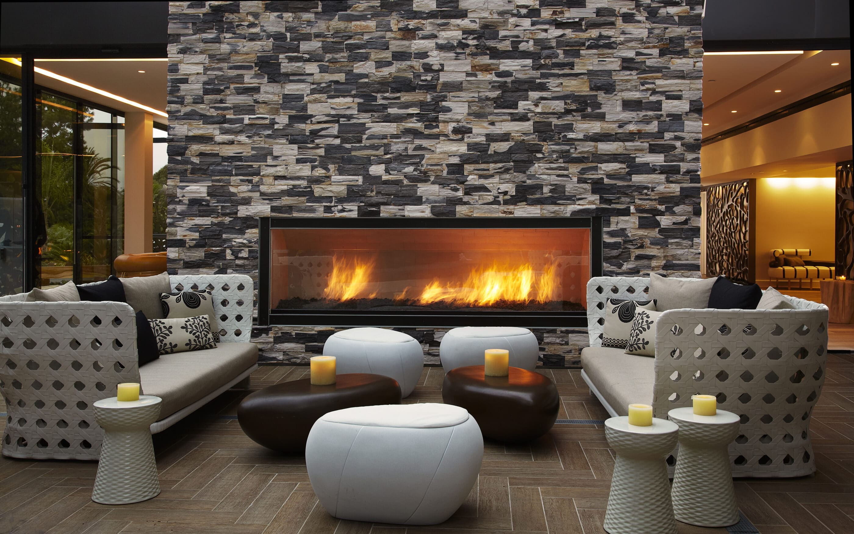 Hotel La Jolla Hiatus lounge seating with fireplace