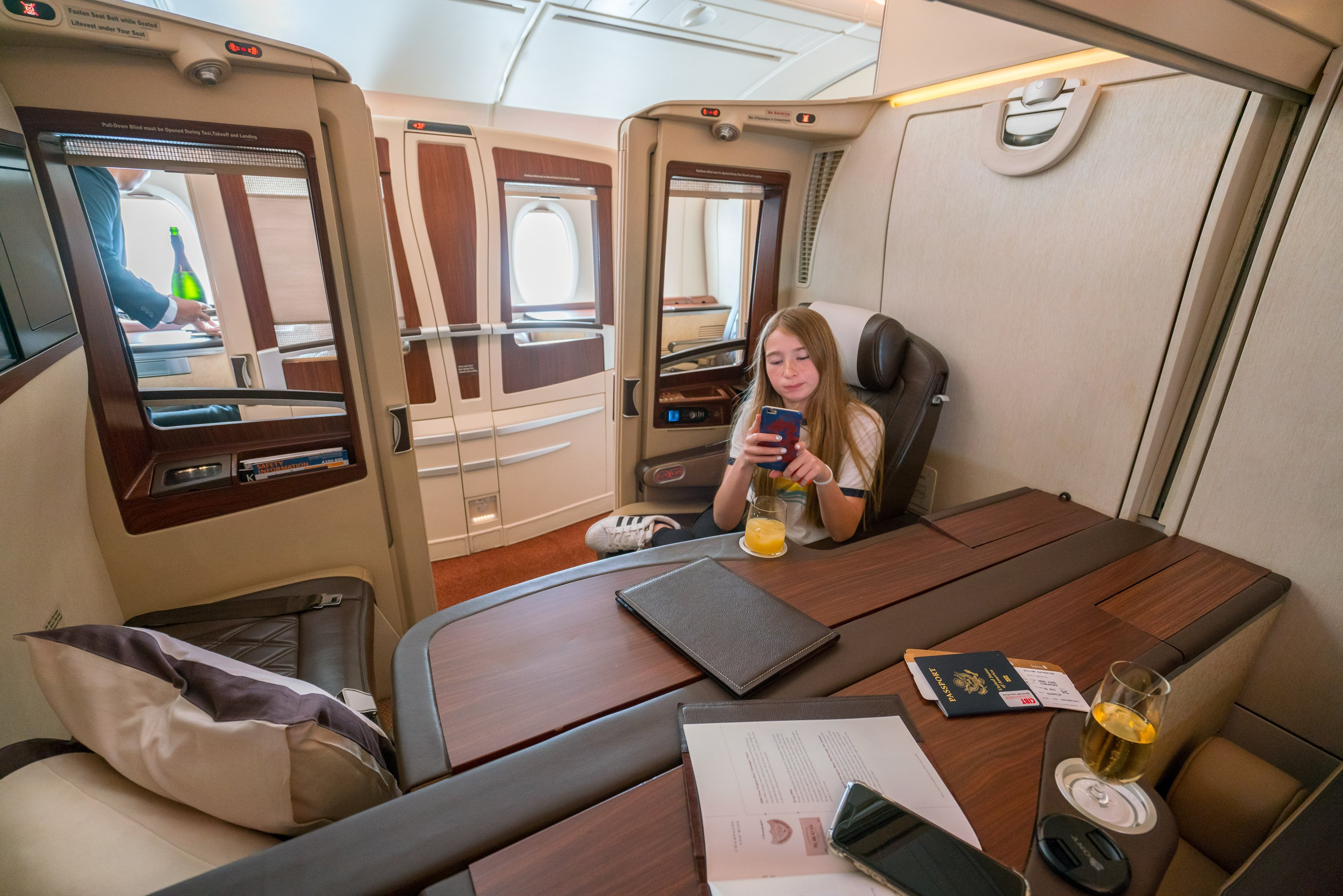 Singapore airlines first class suite what it 39 s like la for First class suite airline