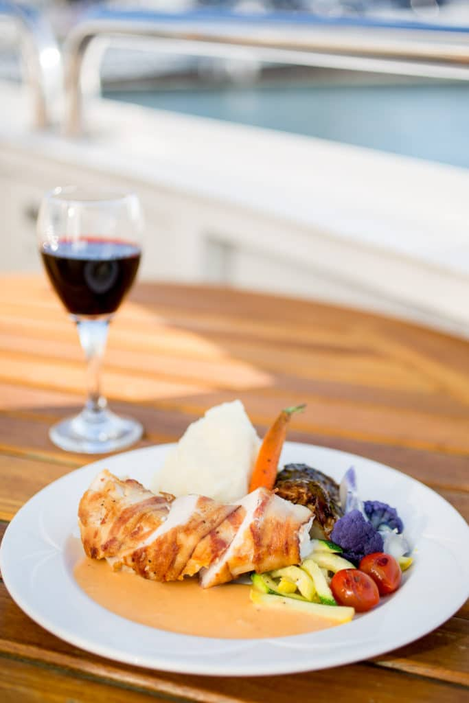 Dine on the San Diego Bay with a Flagship dinner cruise.