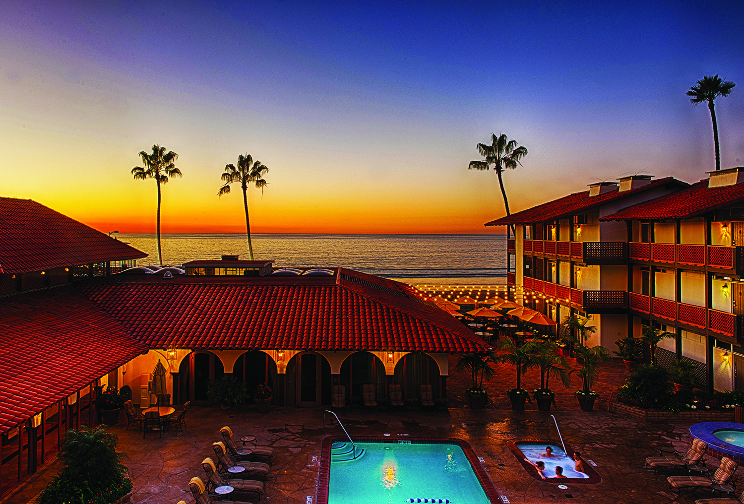 La Jolla Shores Hotel family pool with sunset