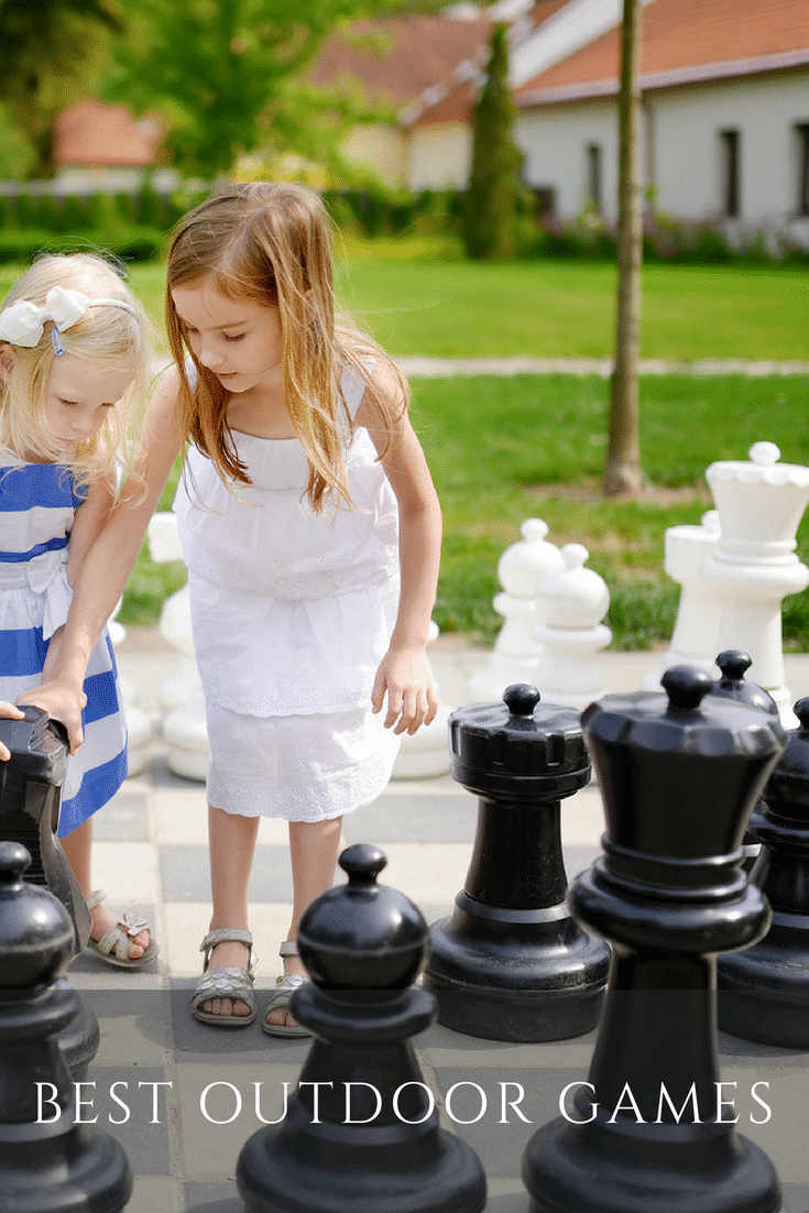 Find out which best outdoor games to buy for the backyard.