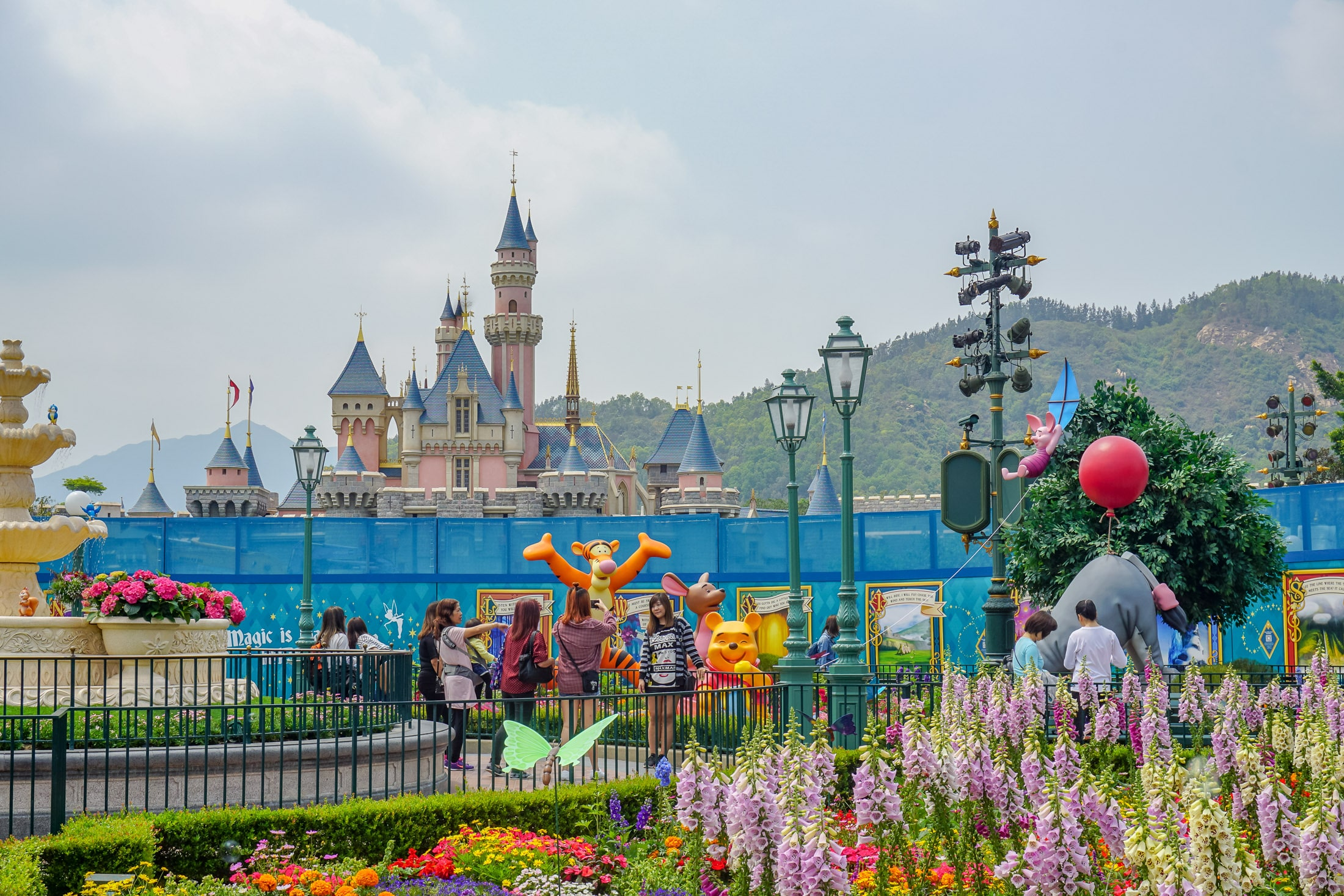 Hong Kong Disneyland castle renovation