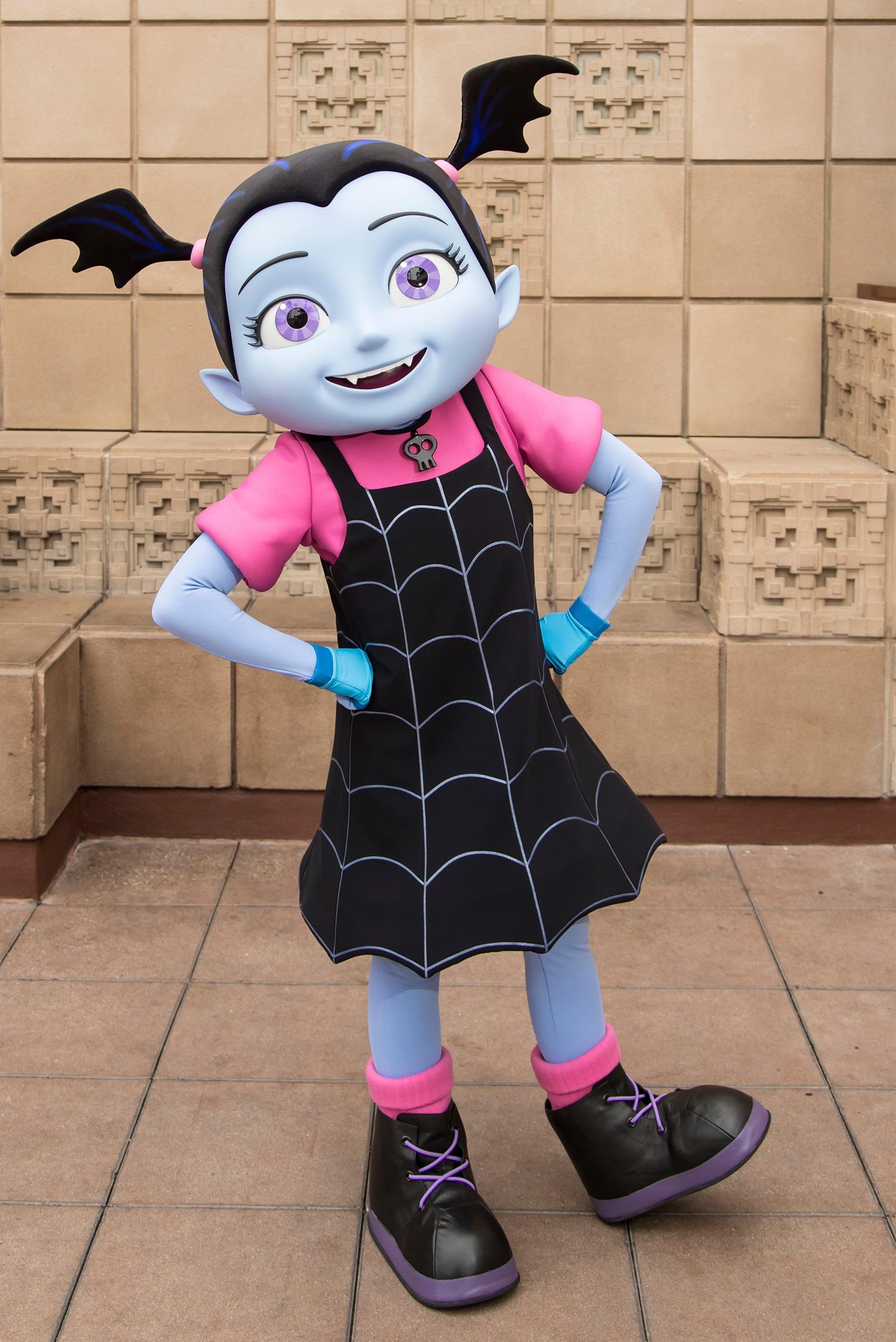 Disneyland Halloween: Vampirina