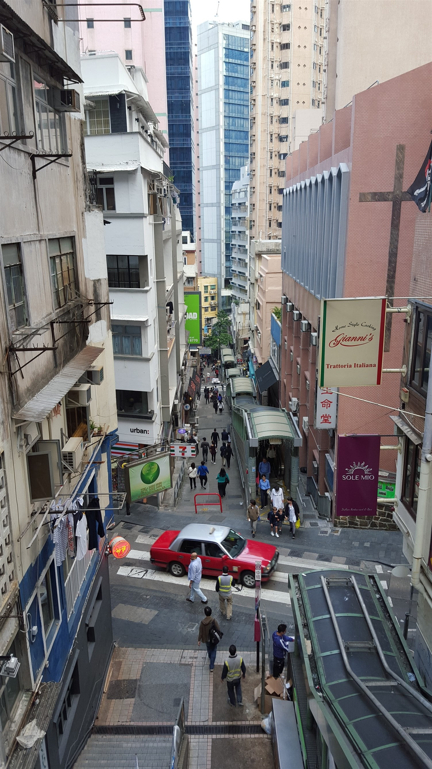 Hong Kong with kids: Ride the Mid-Levels escalator