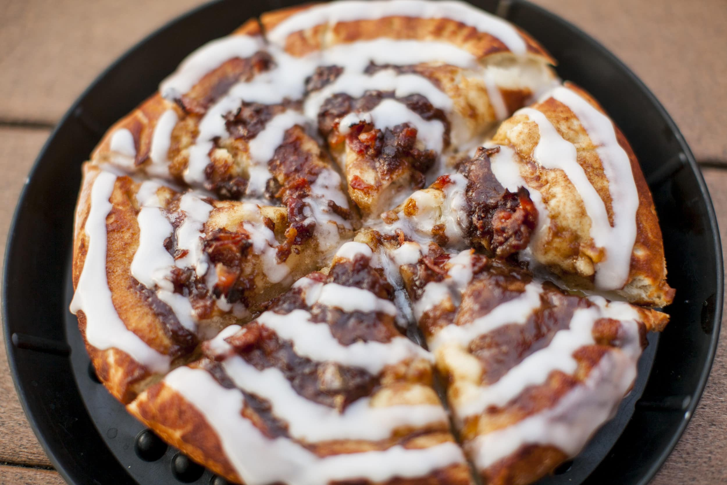 Pacific Beach Restaurants: Woodstock's Pizza Cinnabread